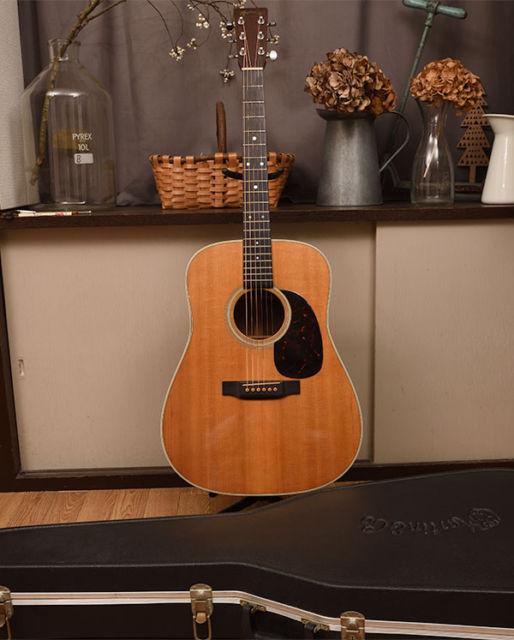 マーティン買取アコースティックギターD-28