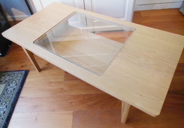 ウニコテーブル